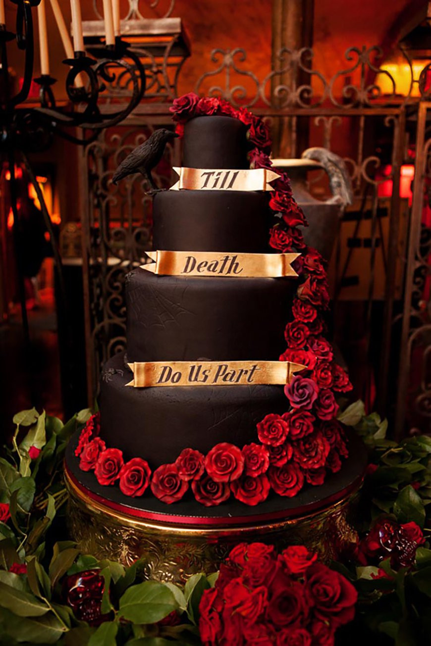 Halloween Wedding Cakes Ideas  Badass Halloween Wedding Ideas That You Have To See