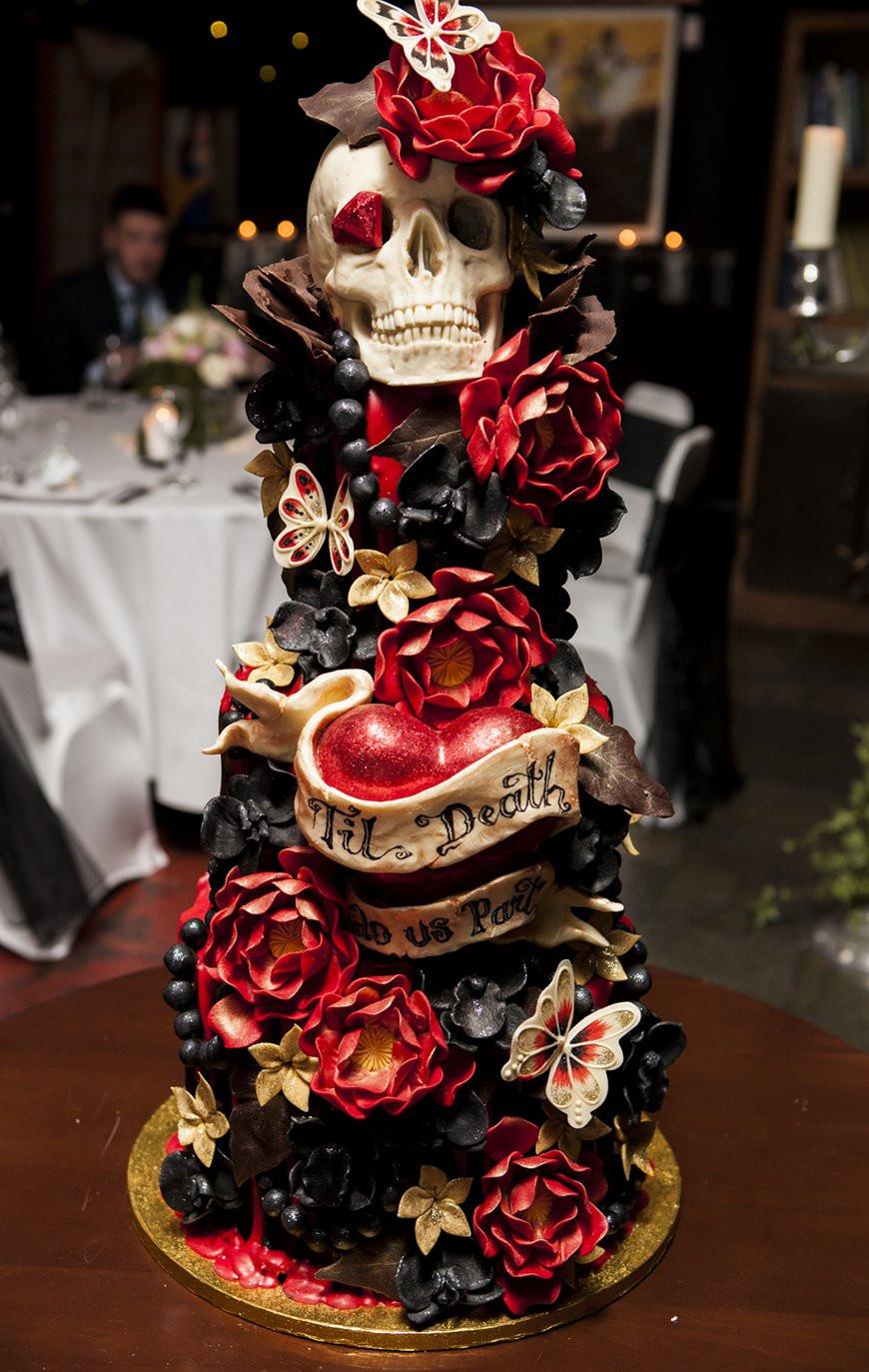 Halloween Wedding Cakes Ideas  23 Halloween Wedding Cakes