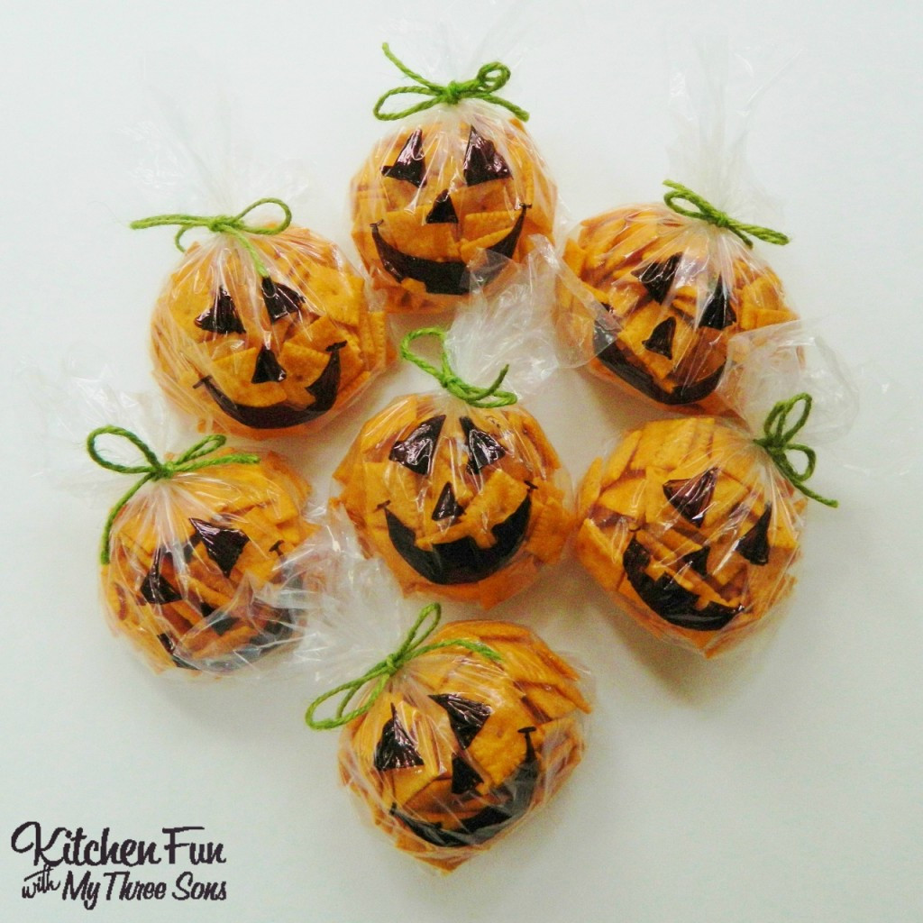 Healthy Halloween Snacks For School  Easy Halloween Pumpkin Snack Bags Kitchen Fun With My 3 Sons