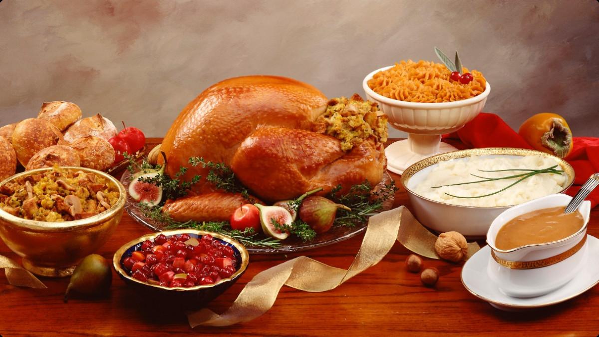 Healthy Thanksgiving Dinner  Thanksgiving Dinner Courtesy of the Farmers Market