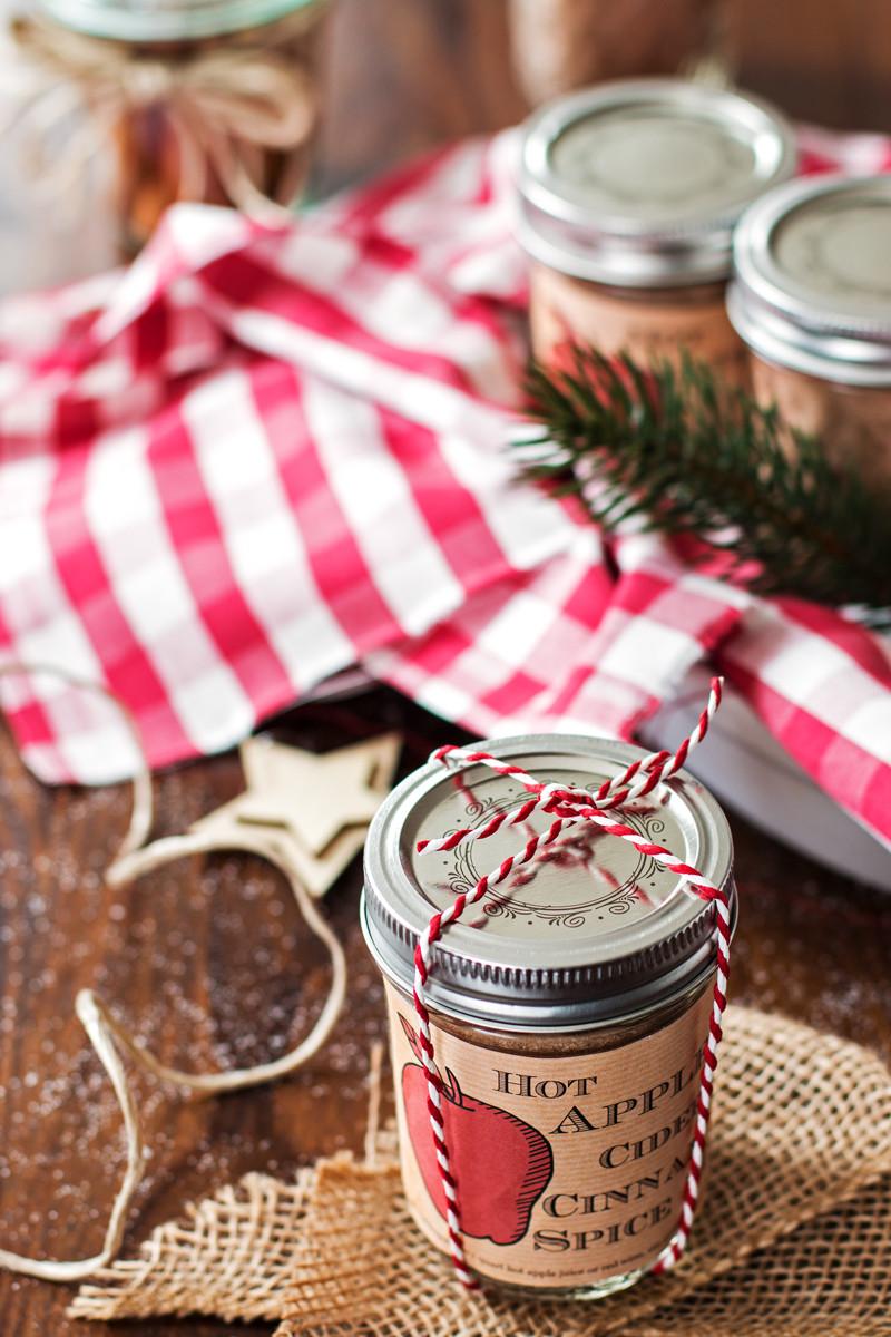 Homemade Christmas Food Gifts  25 Homemade Christmas Gifts Retro Housewife Goes Green