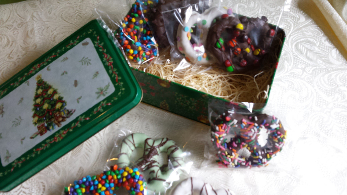 Individually Wrapped Christmas Candy  Chocolate pretzel Holiday Tin Basket 8 assorted hand made