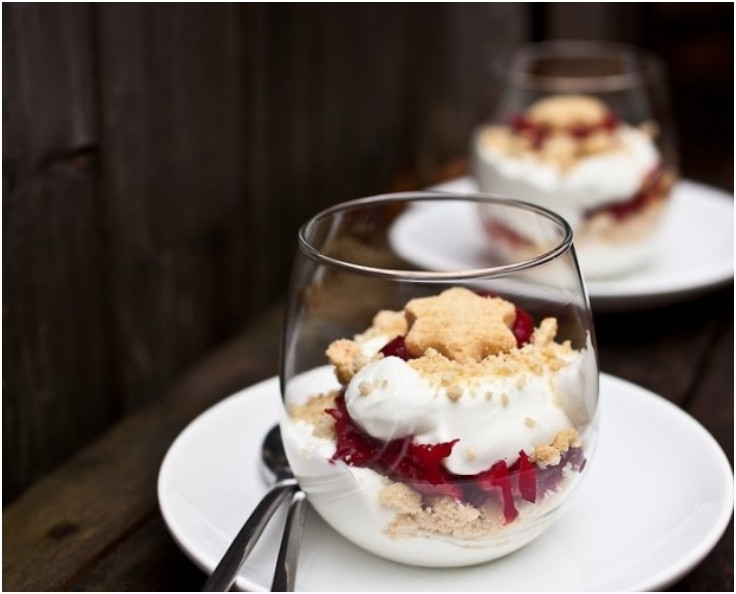 Light Christmas Desserts  Top 10 Light and Tasty Christmas Desserts In A Cup Top