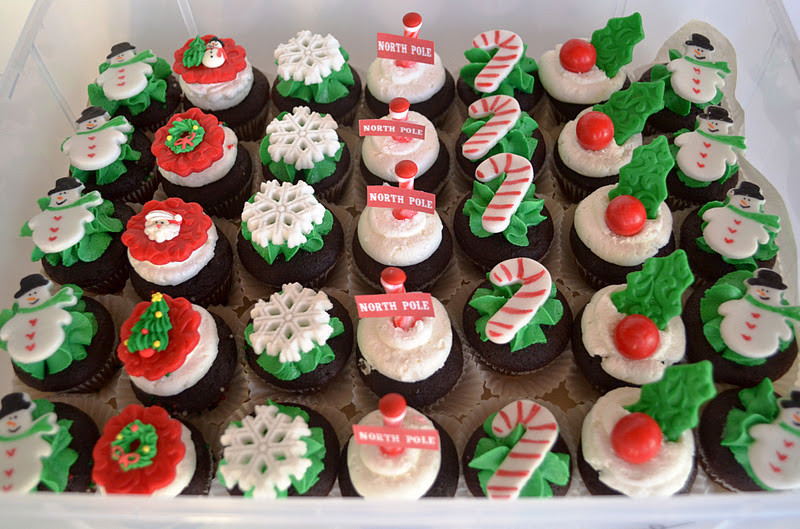 Mini Christmas Cupcakes  Sweetology Mini Cupcakes in their Christmas Best