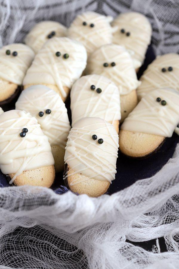Mummy Cookies For Halloween  25 Delicious Halloween Treats