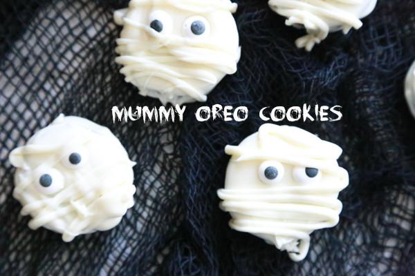 Mummy Cookies For Halloween  Mummy Oreo Cookies Perfect for Halloween