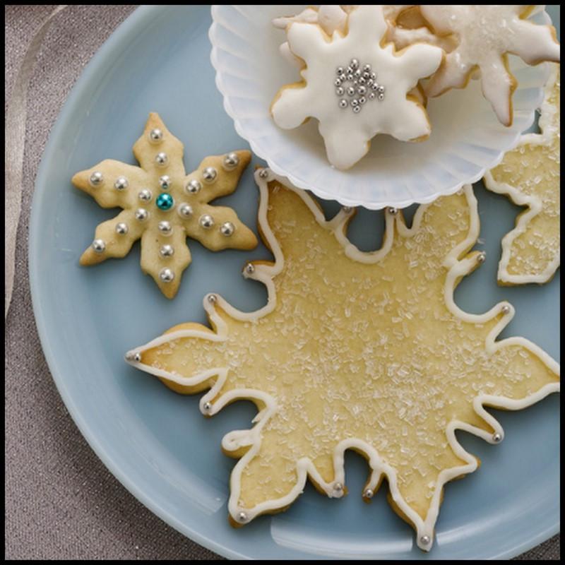 Paula Dean Christmas Cookies  Dollar Store Crafter Paula Dean s Snowflake Cookies