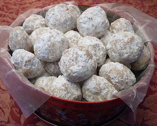 Pecan Balls Christmas Cookies  My Favorite Christmas Cookies Include Pecan Butter Balls