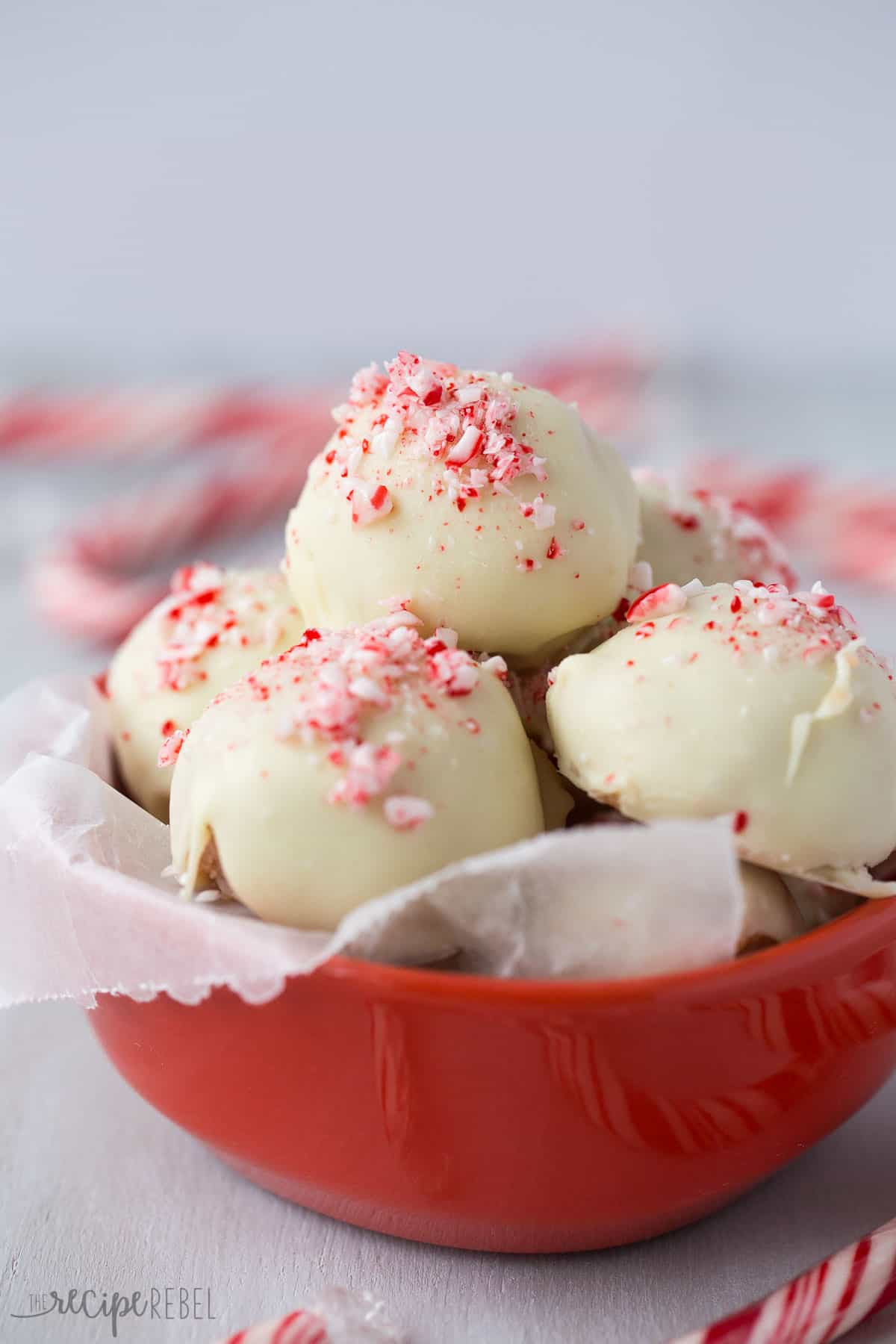 Peppermint Desserts Christmas  No Bake White Chocolate Peppermint Oreo Truffles