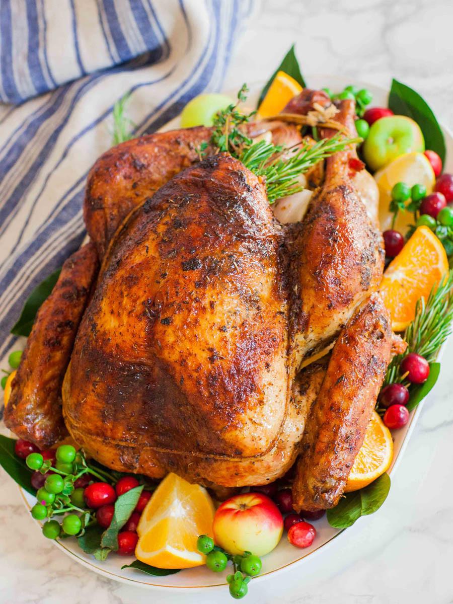 Pics Of Thanksgiving Turkey  Garlic Butter Thanksgiving Turkey With Gravy Tatyanas