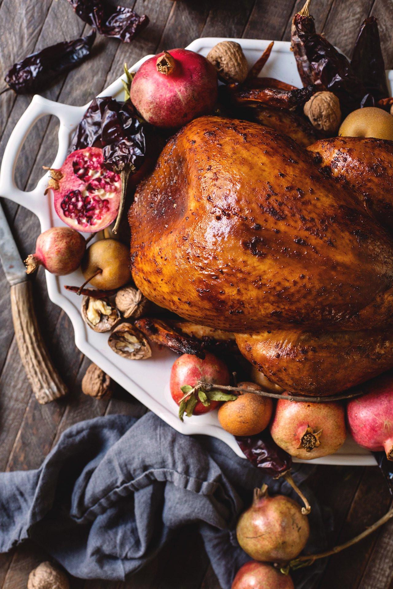 Pics Of Thanksgiving Turkey  Chile Rubbed Thanksgiving Turkey – HonestlyYUM