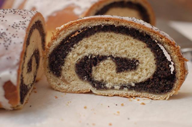 Polish Christmas Bread  how to eat properly makowiec polish poppy seed roll
