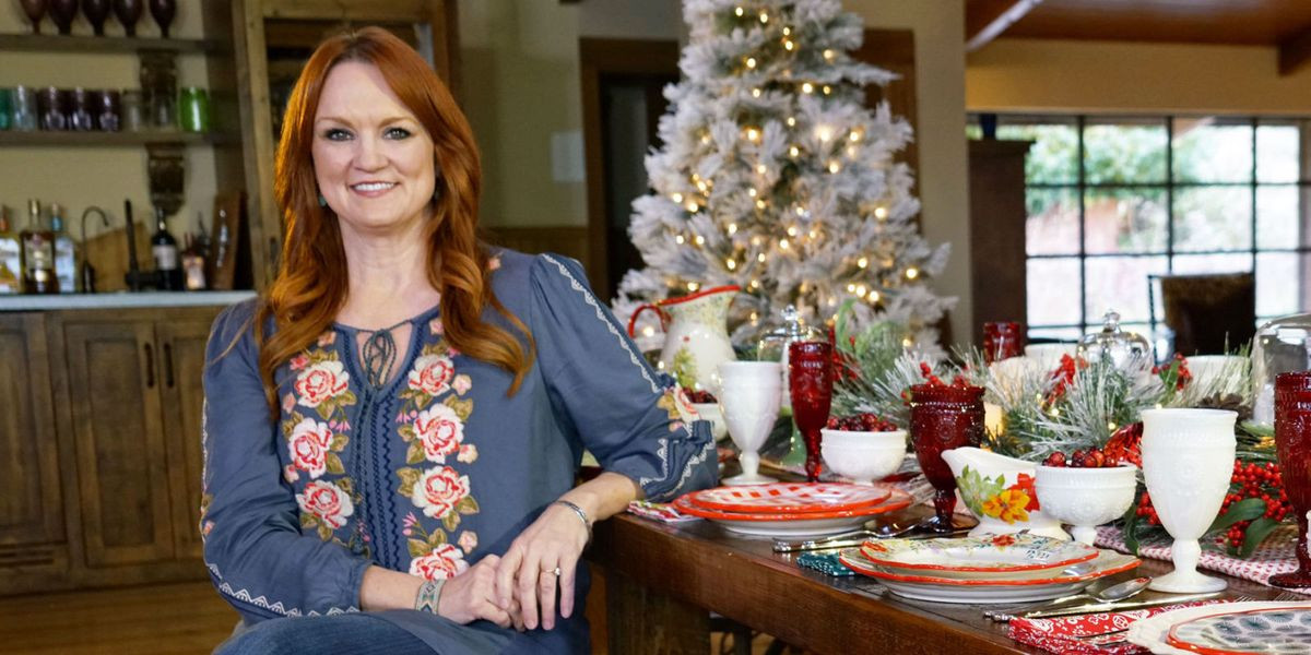 Ree Drummond Christmas Cookies  Ree Drummond s Favorite Holiday Traditions Ree Drummond