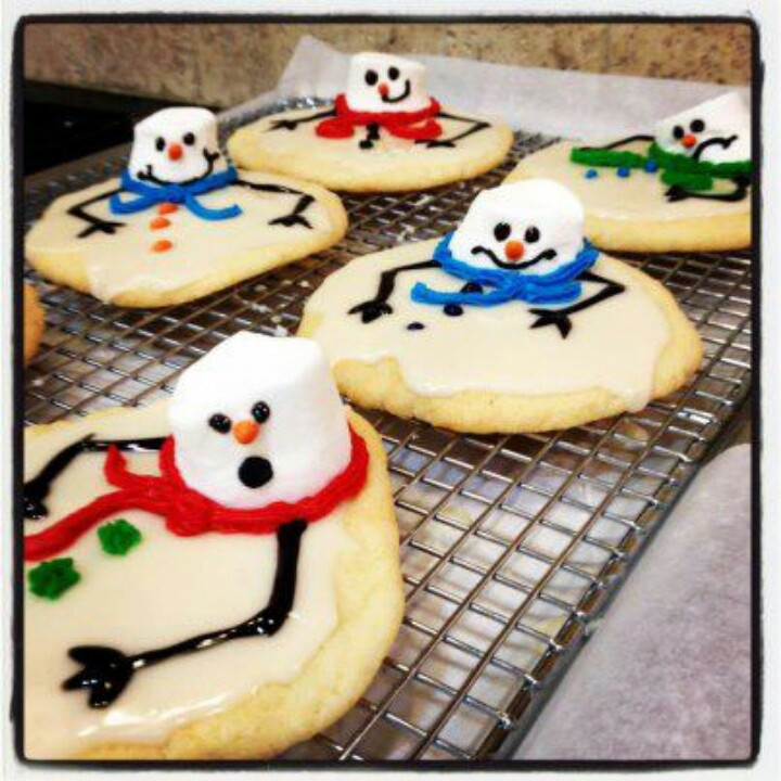 Round Christmas Cookies  112 best images about round cookies decorated on Pinterest