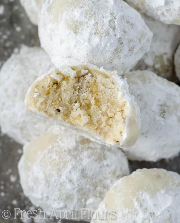 Russian Christmas Cookies  Russian Tea Cakes Snowballs