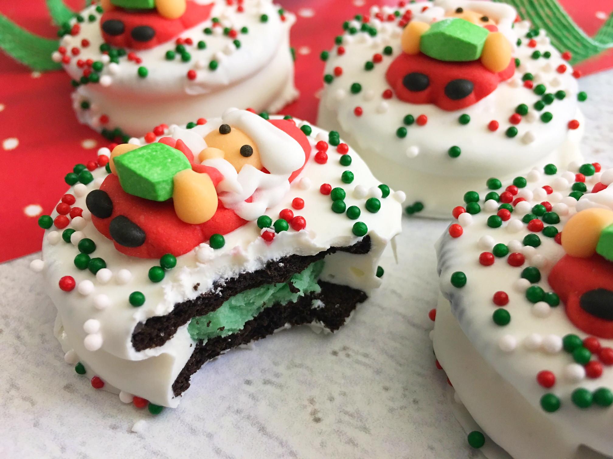 Santa Christmas Cookies  Easy Santa Oreo Christmas Cookies Impress Your Guests