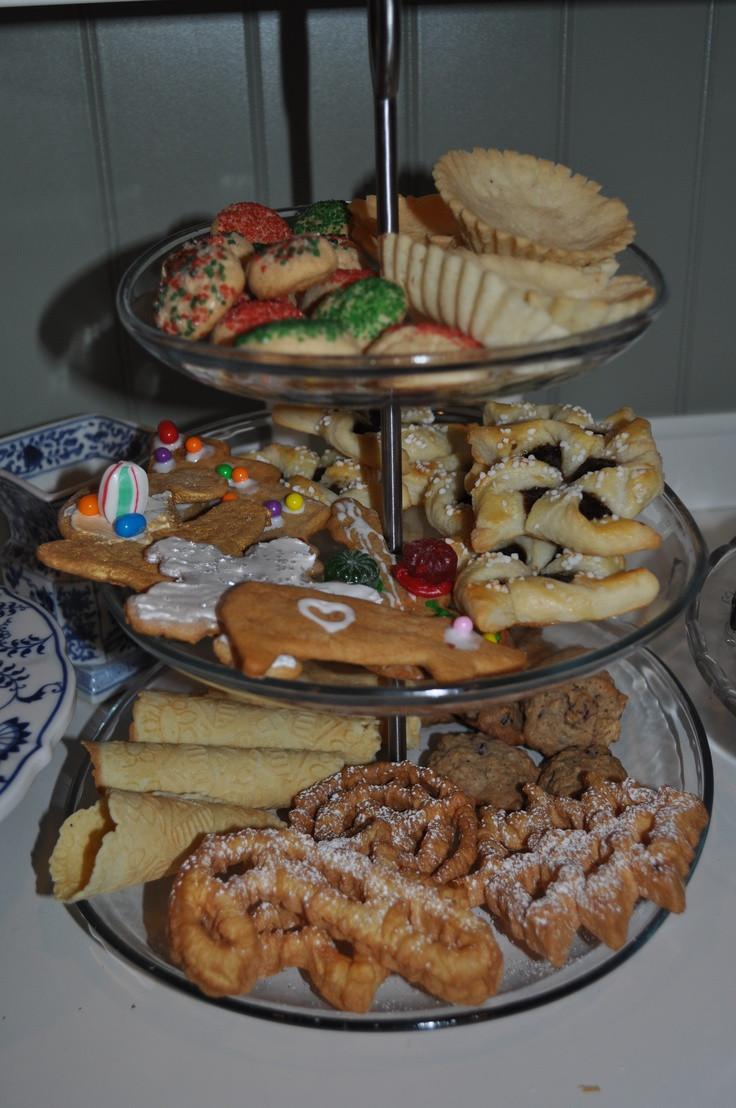 Scandinavian Christmas Cookies  Nice display of Scandinavian Christmas cookies