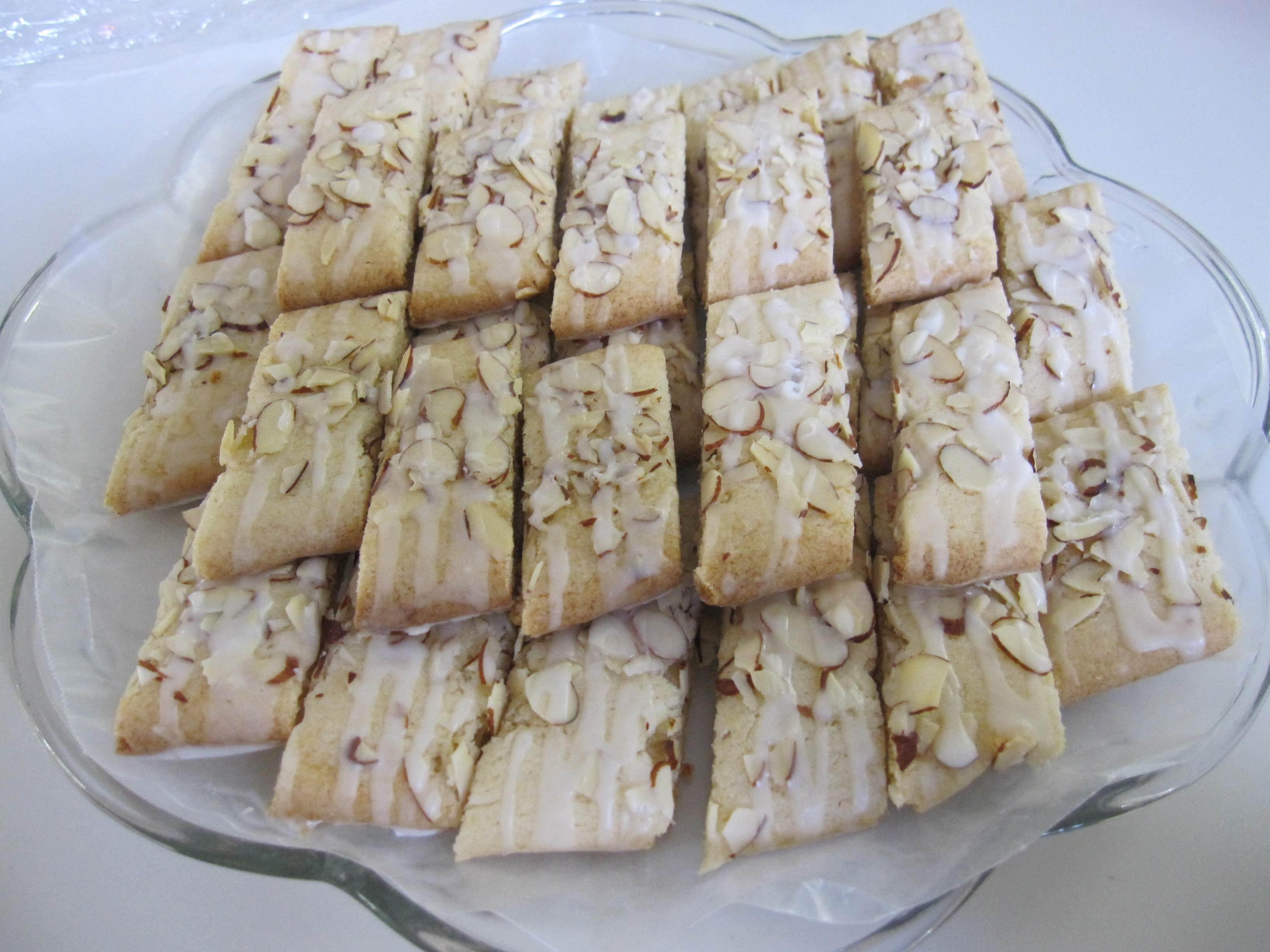 Scandinavian Christmas Cookies  Scandinavian Almond Bars Moms Own Words