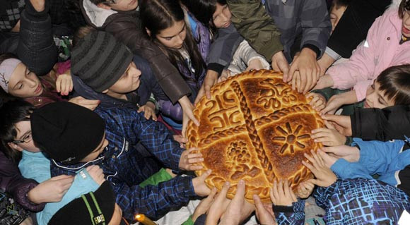 Serbian Christmas Bread  8 Unique Ways Christmas Is Celebrated Around The Globe
