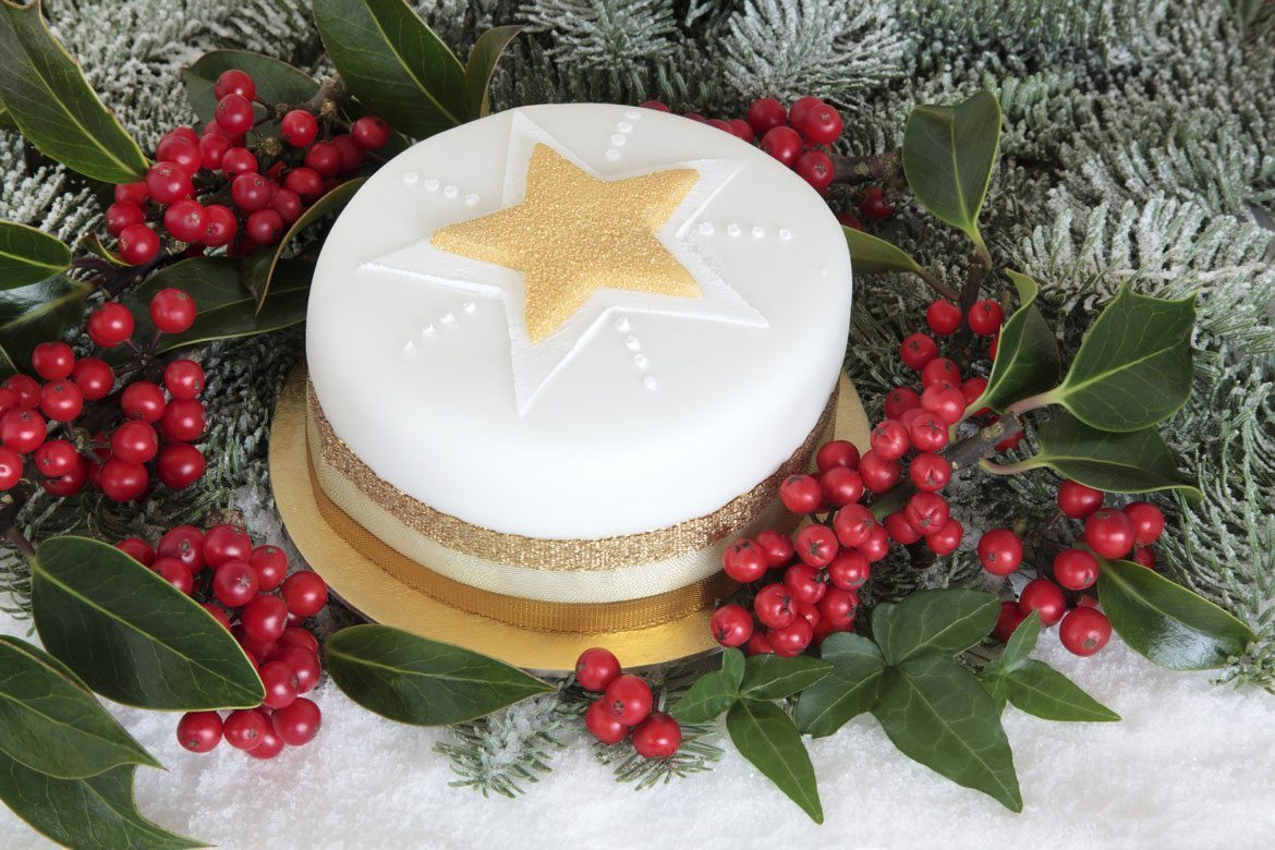 Simple Christmas Cakes  Recipe Easy Christmas Cake How to make a last minute