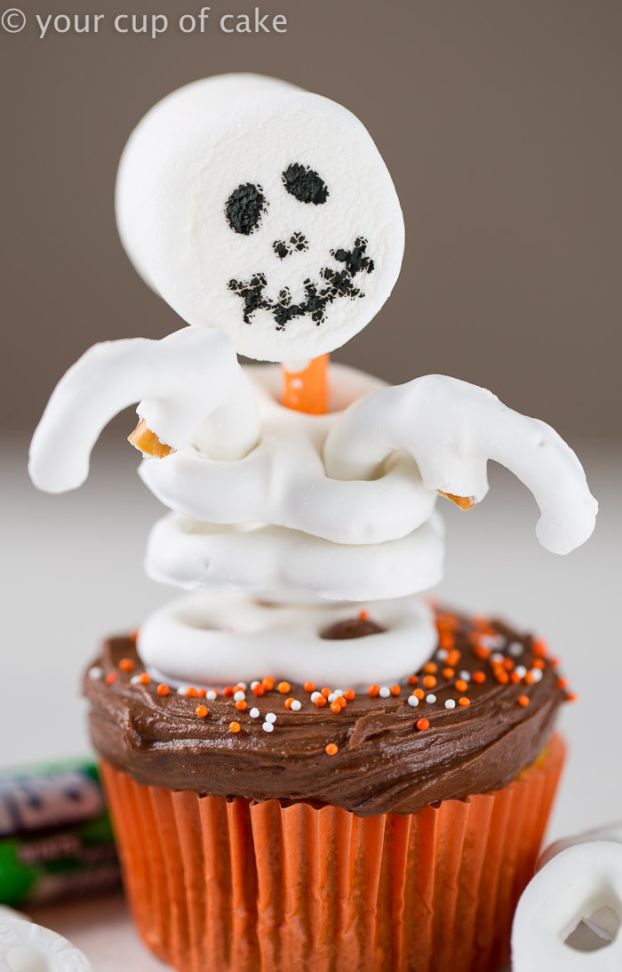 Simple Halloween Cupcakes  Easy Skeleton Cupcakes Your Cup of Cake