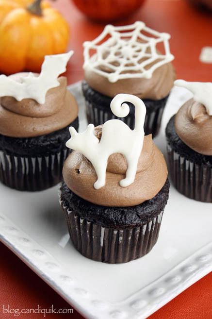 Simple Halloween Cupcakes  Easy DIY Halloween Cupcake Toppers