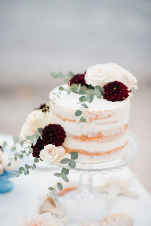 Small Fall Wedding Cakes  12 Fall Wedding Cakes Fall Themed Wedding Cake Ideas