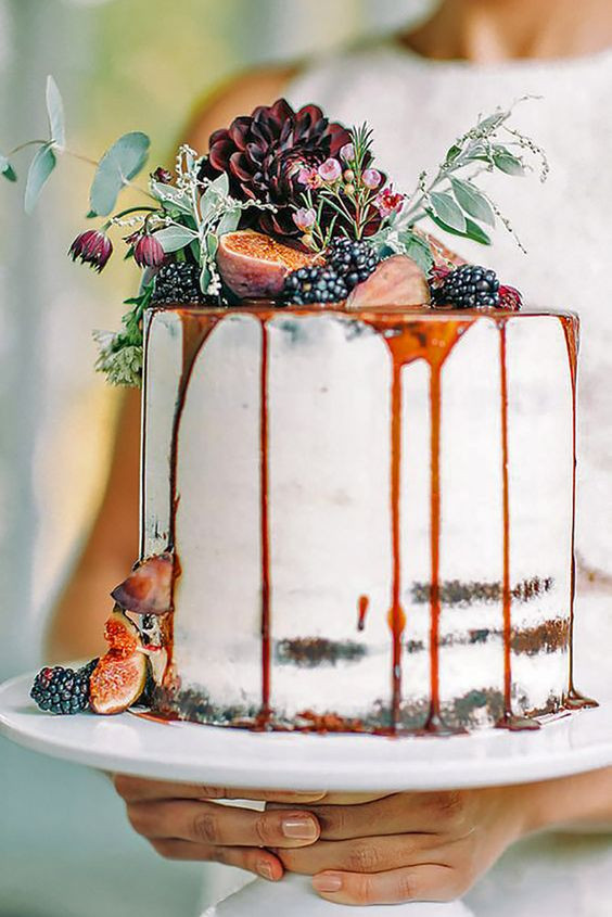 Small Fall Wedding Cakes  Fall in Love with These 29 Amazing Fall Wedding Cakes