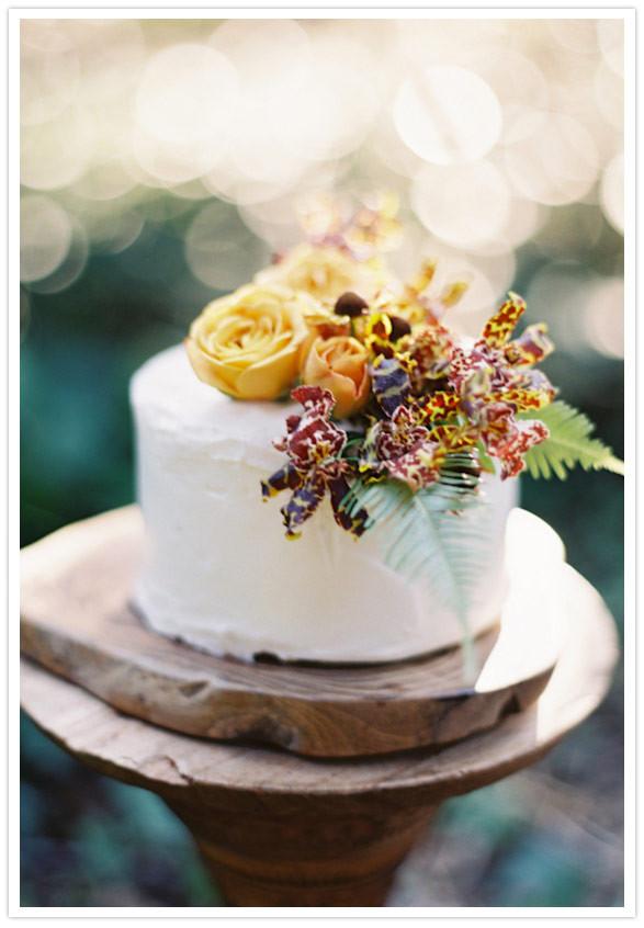 Small Fall Wedding Cakes  Rustic fall wedding ideas Wedding Inspiration