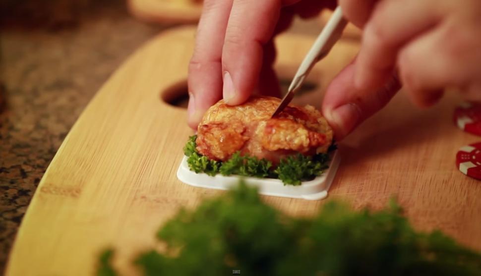 Smallest Turkey For Thanksgiving  New tiny hamster video shows Thanksgiving dinner NY