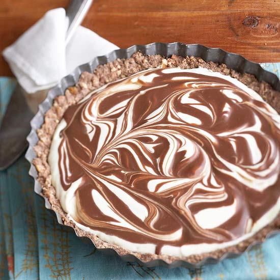Thanksgiving Chocolate Pie  35 Thanksgiving Pie Recipes
