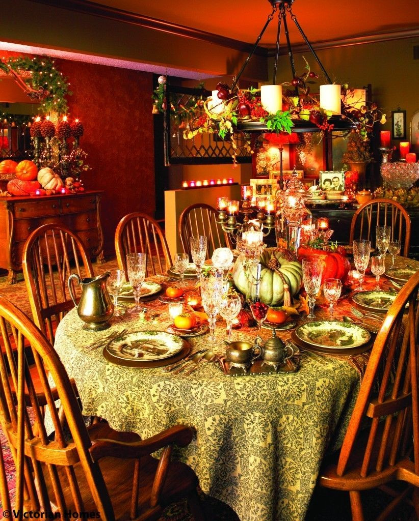 Thanksgiving Dinner Table  Richly Colorful Thanksgiving Dining Room s