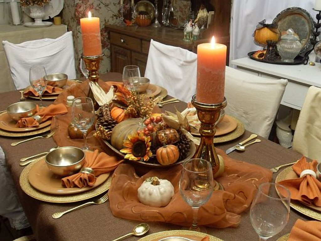 Thanksgiving Dinner Table Decorations  Diy farmhouse style rustic dinner table fall home decor