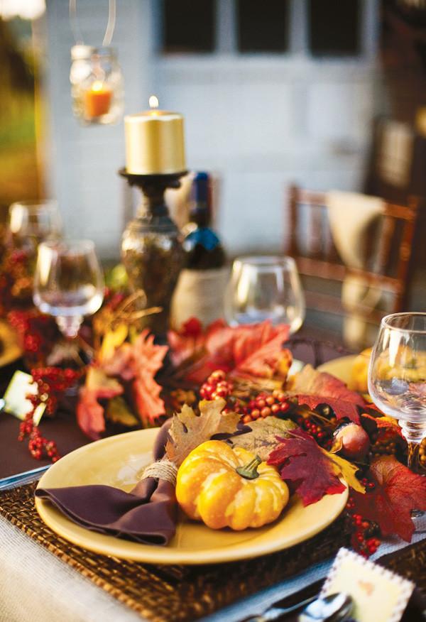 Thanksgiving Dinner Table  rivernorthLove Rustic Thanksgiving Dinner