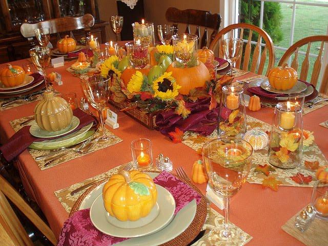 Thanksgiving Dinner Table  Tikio s English THANKSGIVING