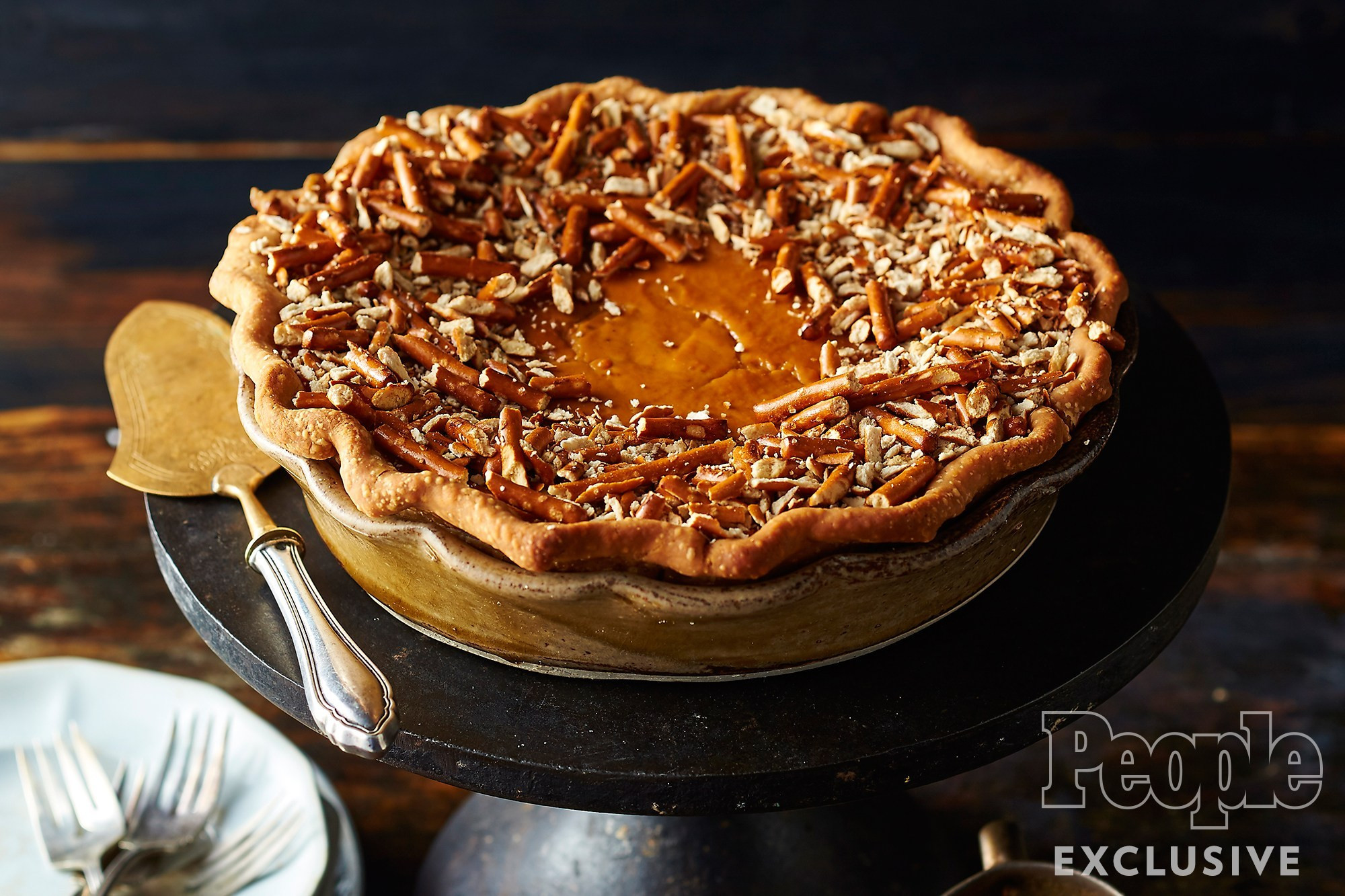 Thanksgiving Pumpkin Pie Recipe  Sam Mason s Pumpkin Pretzel Pie Recipe