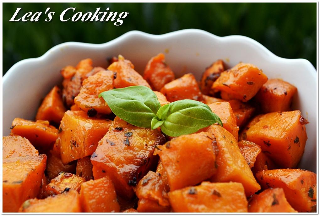 Thanksgiving Roasted Sweet Potatoes  Lea s Cooking Garlic Roasted Yams