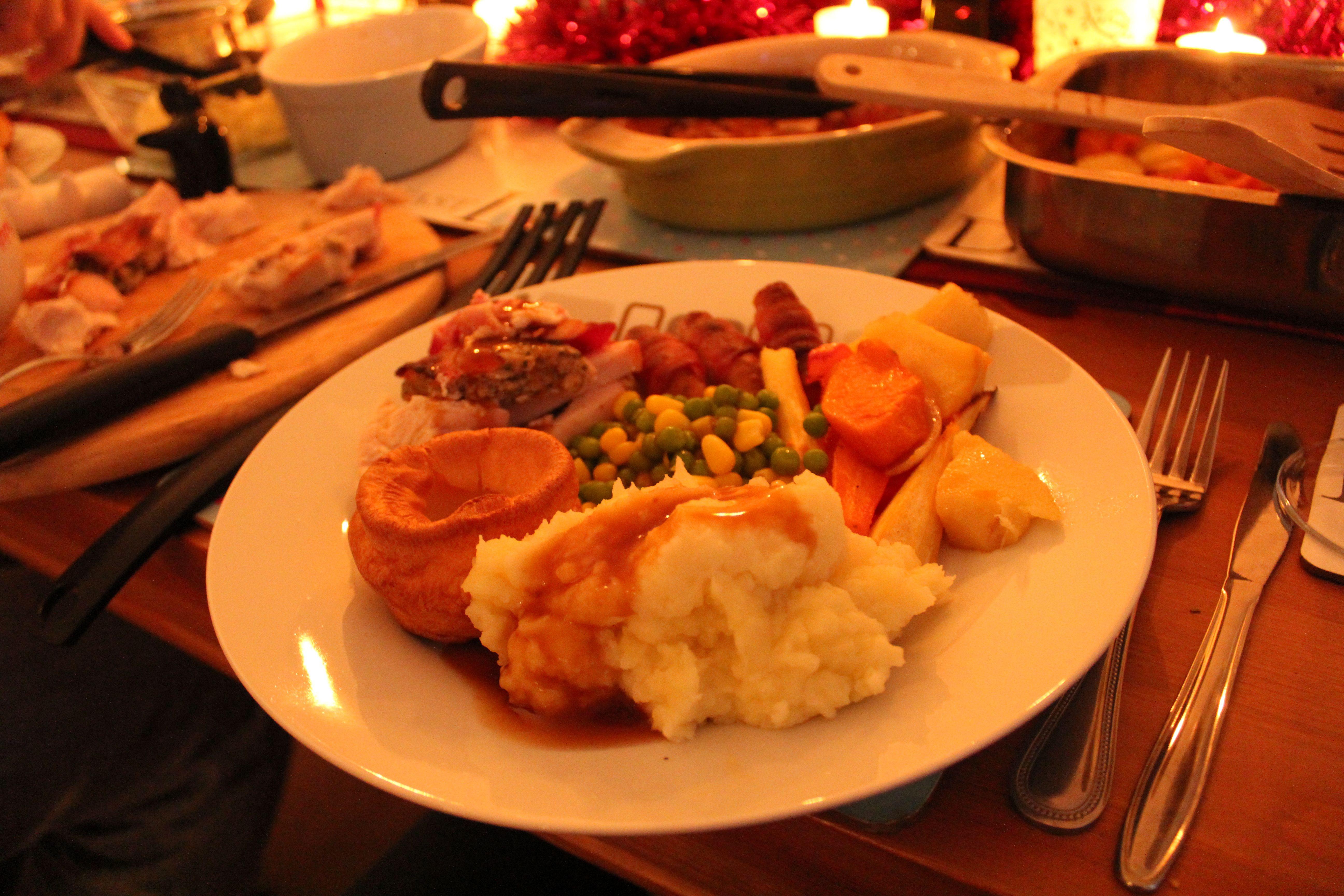 Traditional British Christmas Dinner  English Traditional Christmas Dinner