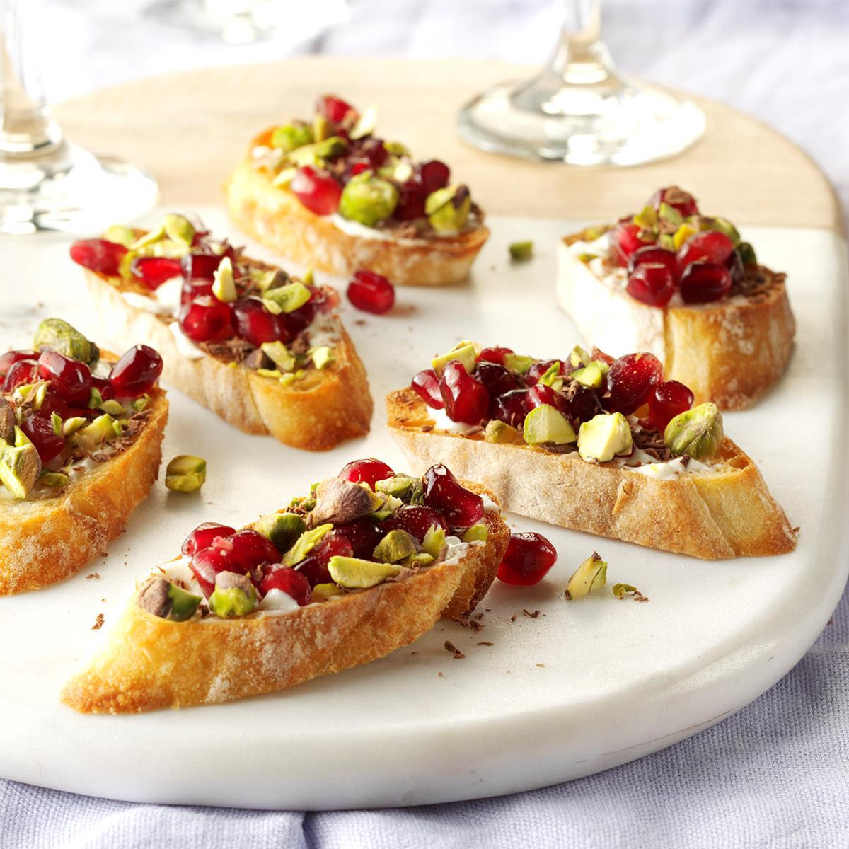 Traditional Christmas Appetizers  40 Easy Christmas Appetizer Ideas Perfect for a Holiday