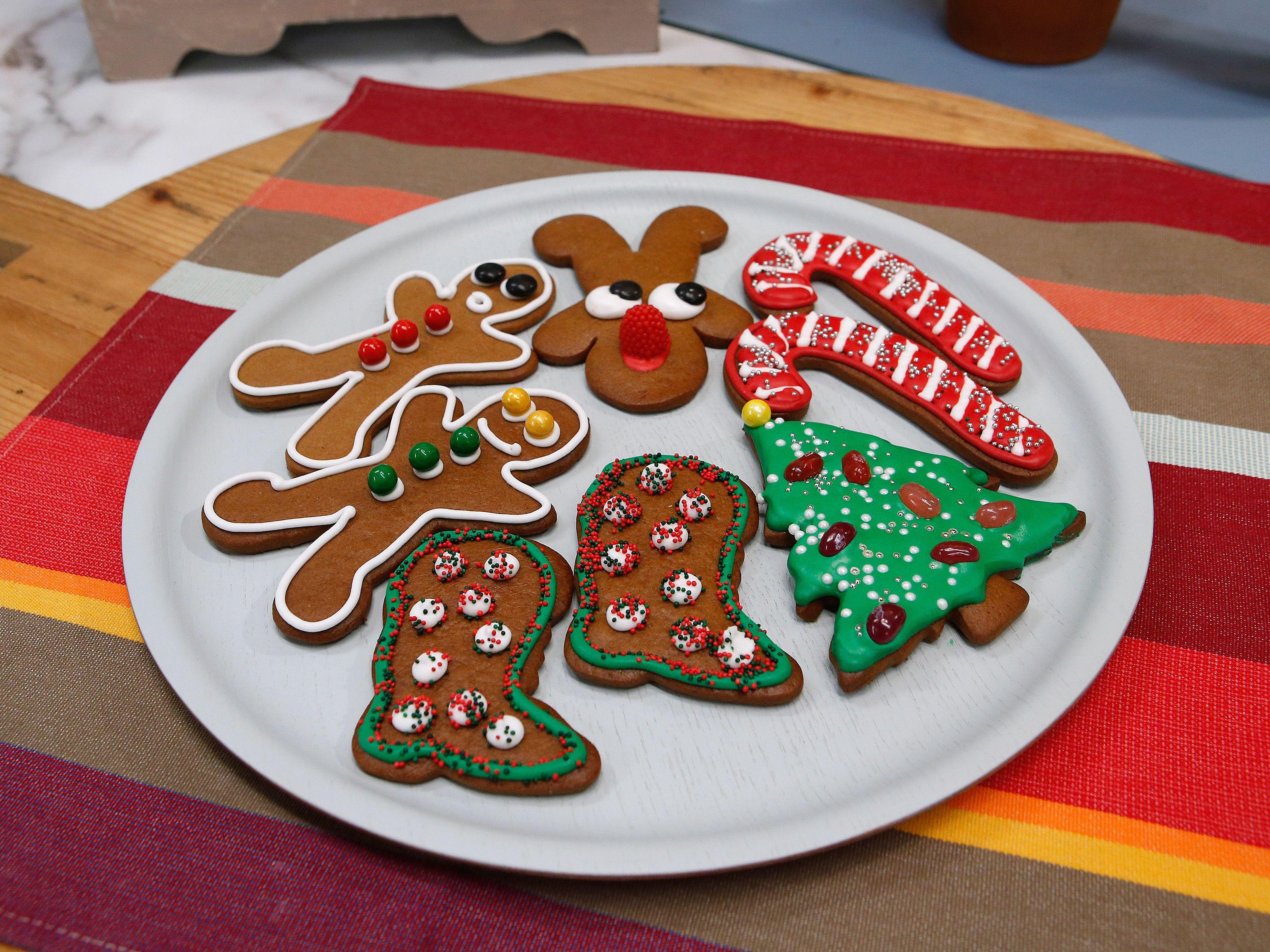 Trisha Yearwood Christmas Cookies  Gingerbread Cookies recipe from Duff Goldman via Food