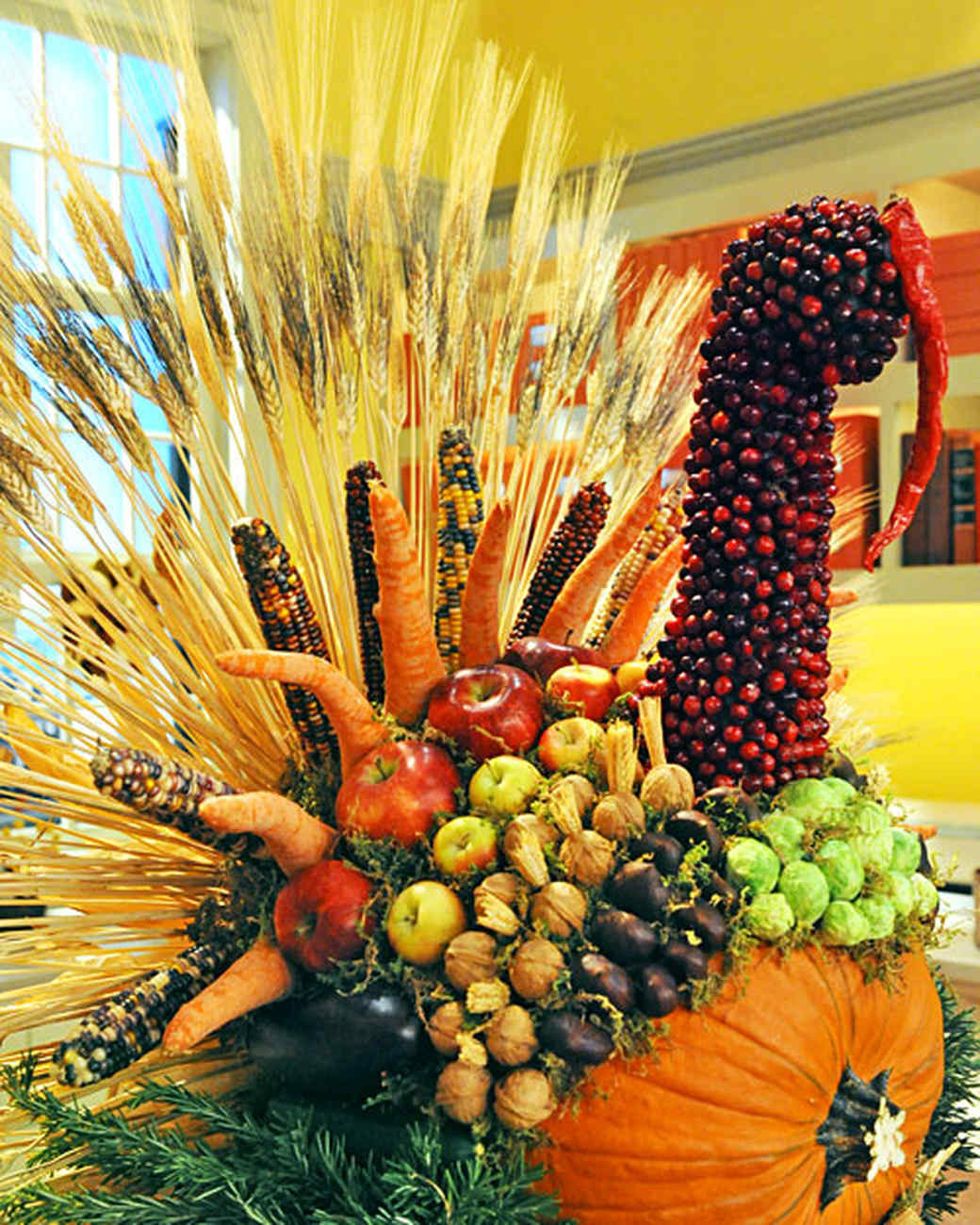 Turkey Designs For Thanksgiving  27 Fabulous Fall Centerpieces
