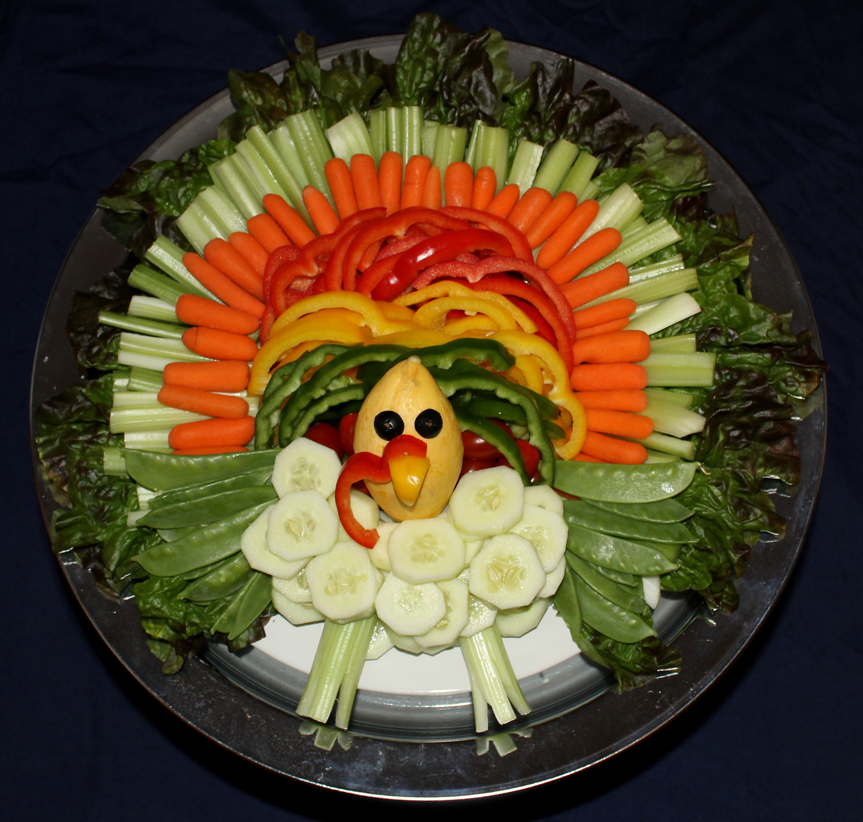 Turkey Veggie Platter For Thanksgiving  Turkey Veggie Tray