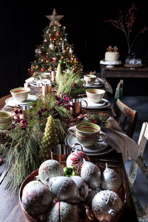 Unique Christmas Dinners  25 unique Christmas dinner tables ideas on Pinterest