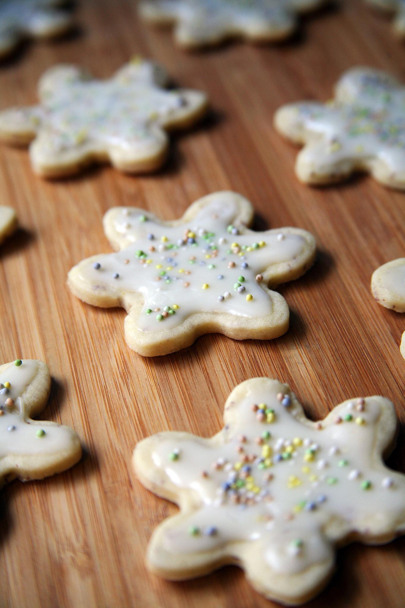 Vegan Christmas Sugar Cookies  Vegan Christmas Cookies