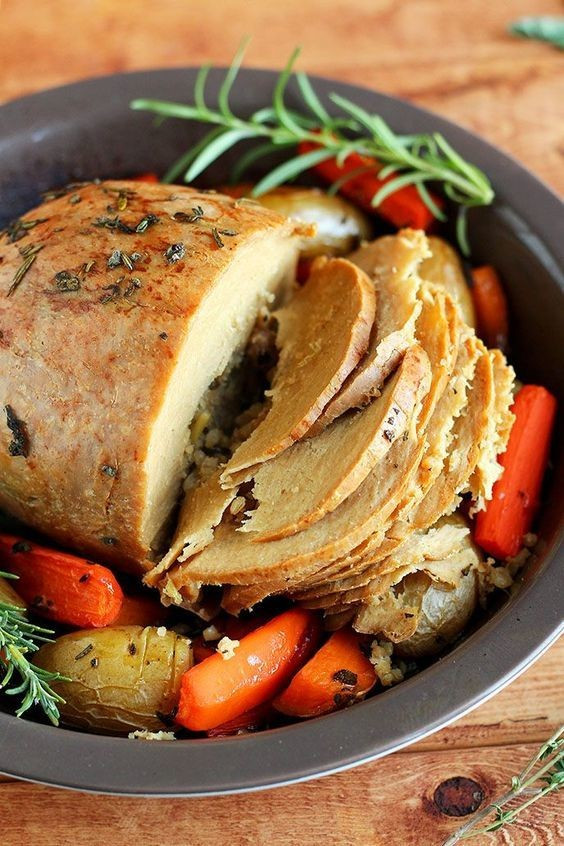 Vegan Dishes For Thanksgiving  Tofurky Roast The Most Delicious Vegan Friendly