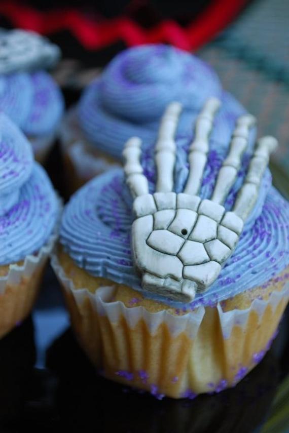 Vegan Halloween Cupcakes  Vegan Halloween Cupcakes by MissVeganTreats on Etsy