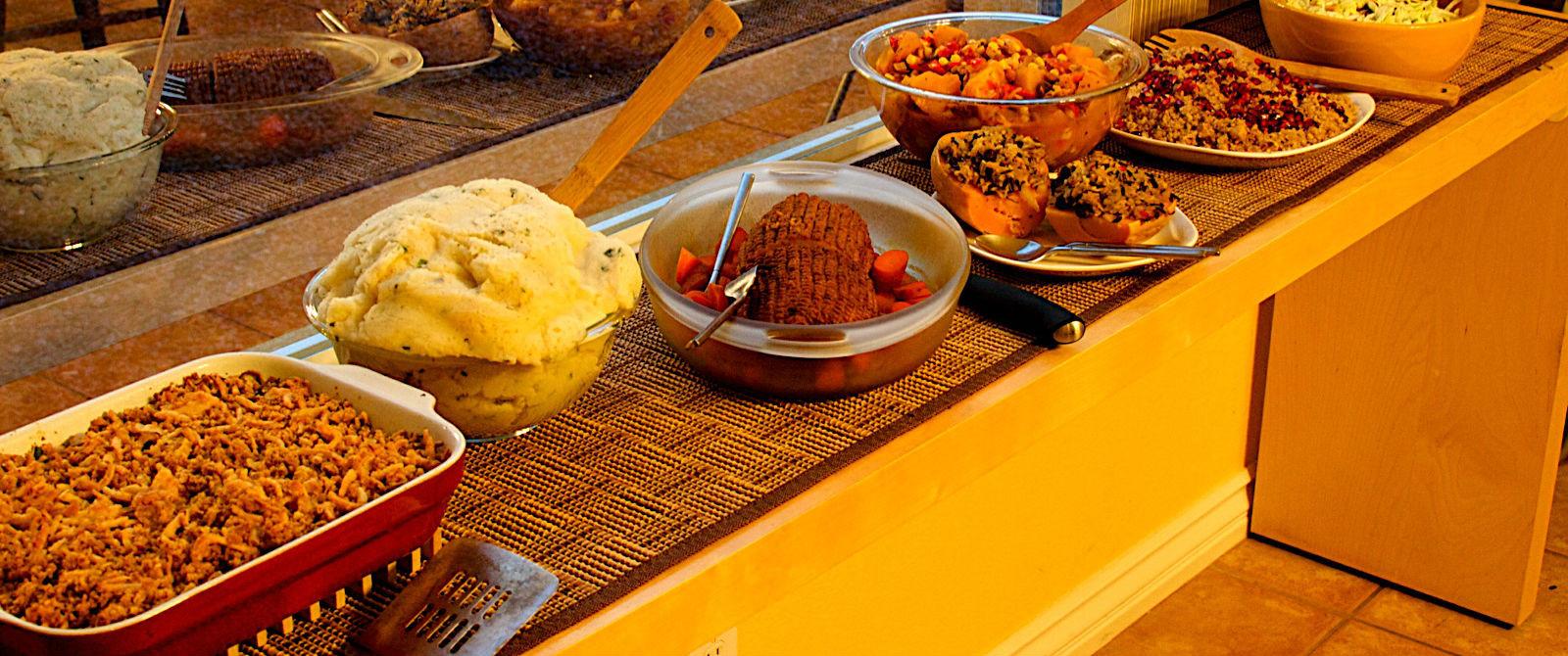 Vegan Thanksgiving Dinner  How To Cook A Vegan Thanksgiving Dinner Your Family Will Love