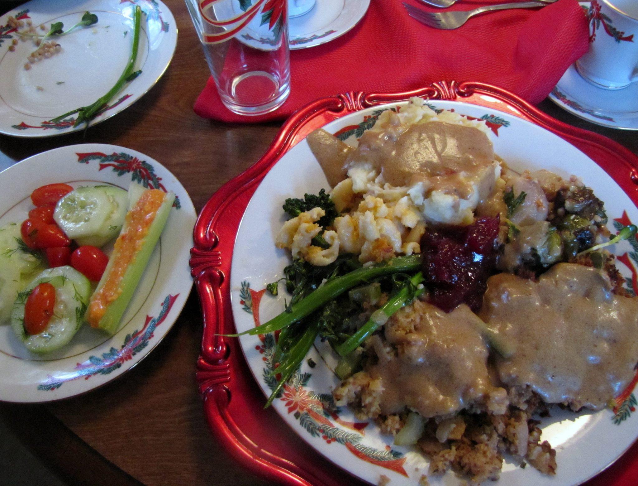 Vegetarian Main Dish For Thanksgiving  Ve arian Thanksgiving Menu – & Main Dish Stuffing Recipe
