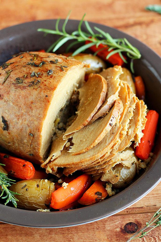 Vegetarian Turkey For Thanksgiving  How to Cook a Tofurky Roast I LOVE VEGAN
