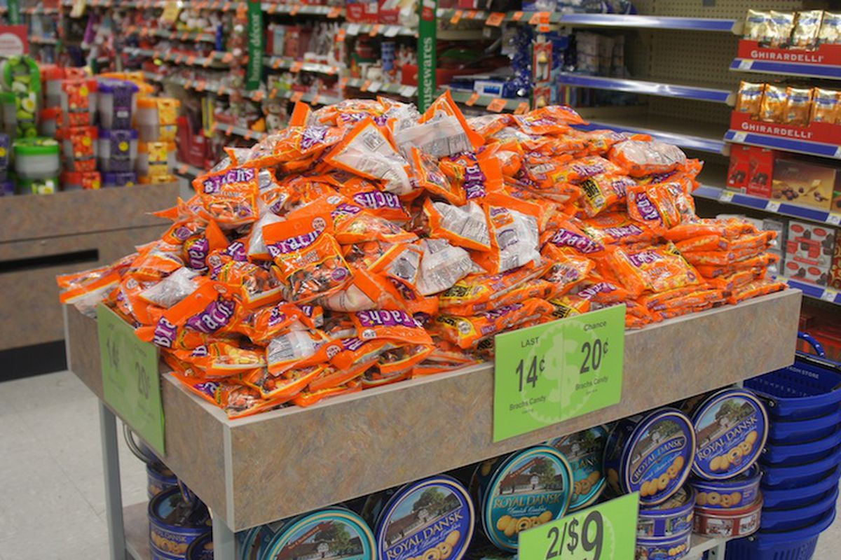 Walgreens Christmas Candy  OMG Bags of Candy Corn at Walgreens Are Now 14¢ Racked
